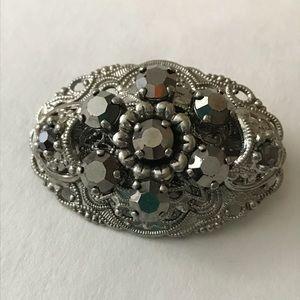 Jewelry - Elegant silver filigree brooch